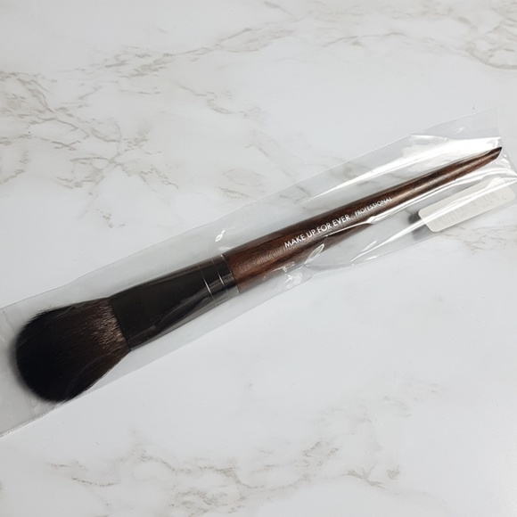 Makeup Forever Other - Make Up For Ever Pro #156 Brush